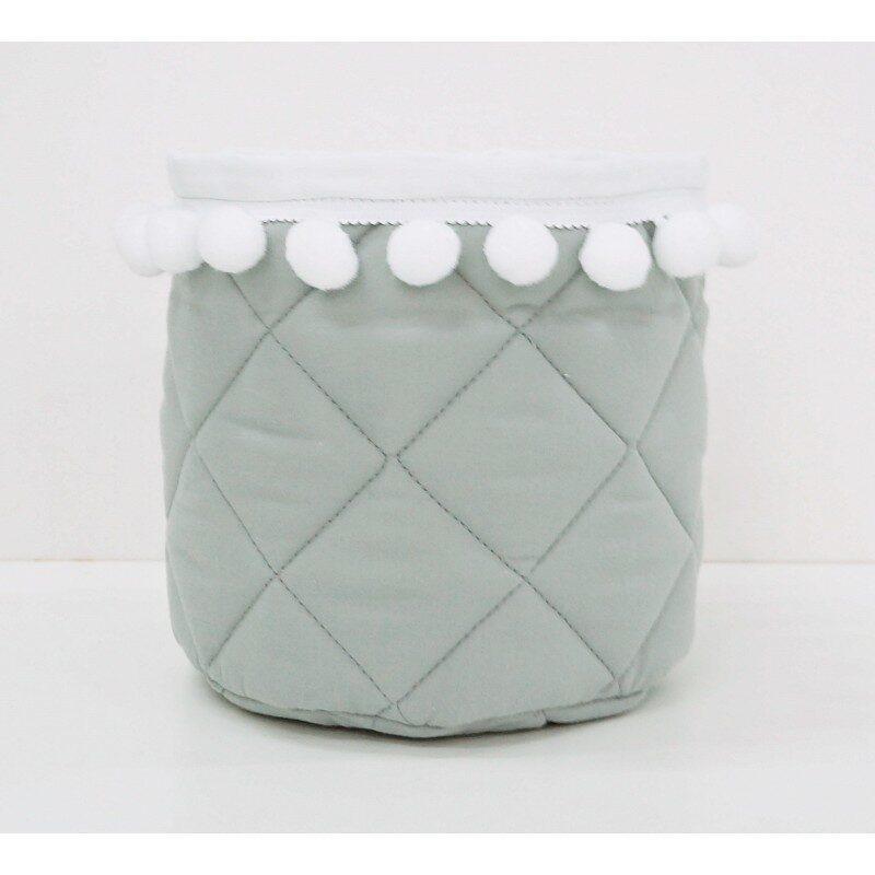 Mini košek, Siv z belimi pompomčki
